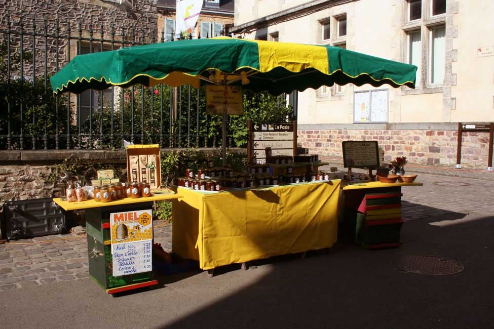 http://www.confitmiel.fr/files/gimgs/th-15_08_Stand marché.jpg